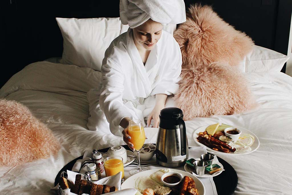 Breakfast in bed at William Grey